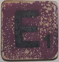 Letter E 6x6cm aubergine