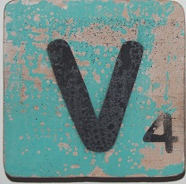 Letter V   6x6cm turqouise